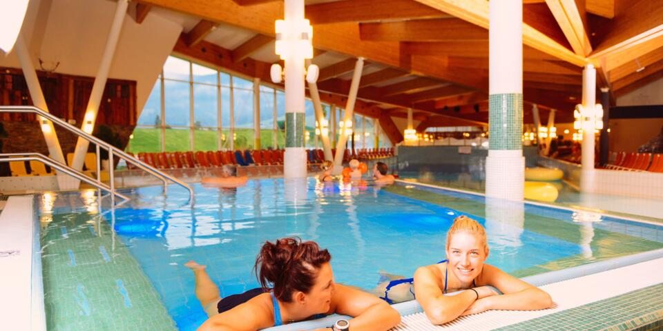 Becken in Therme Amade